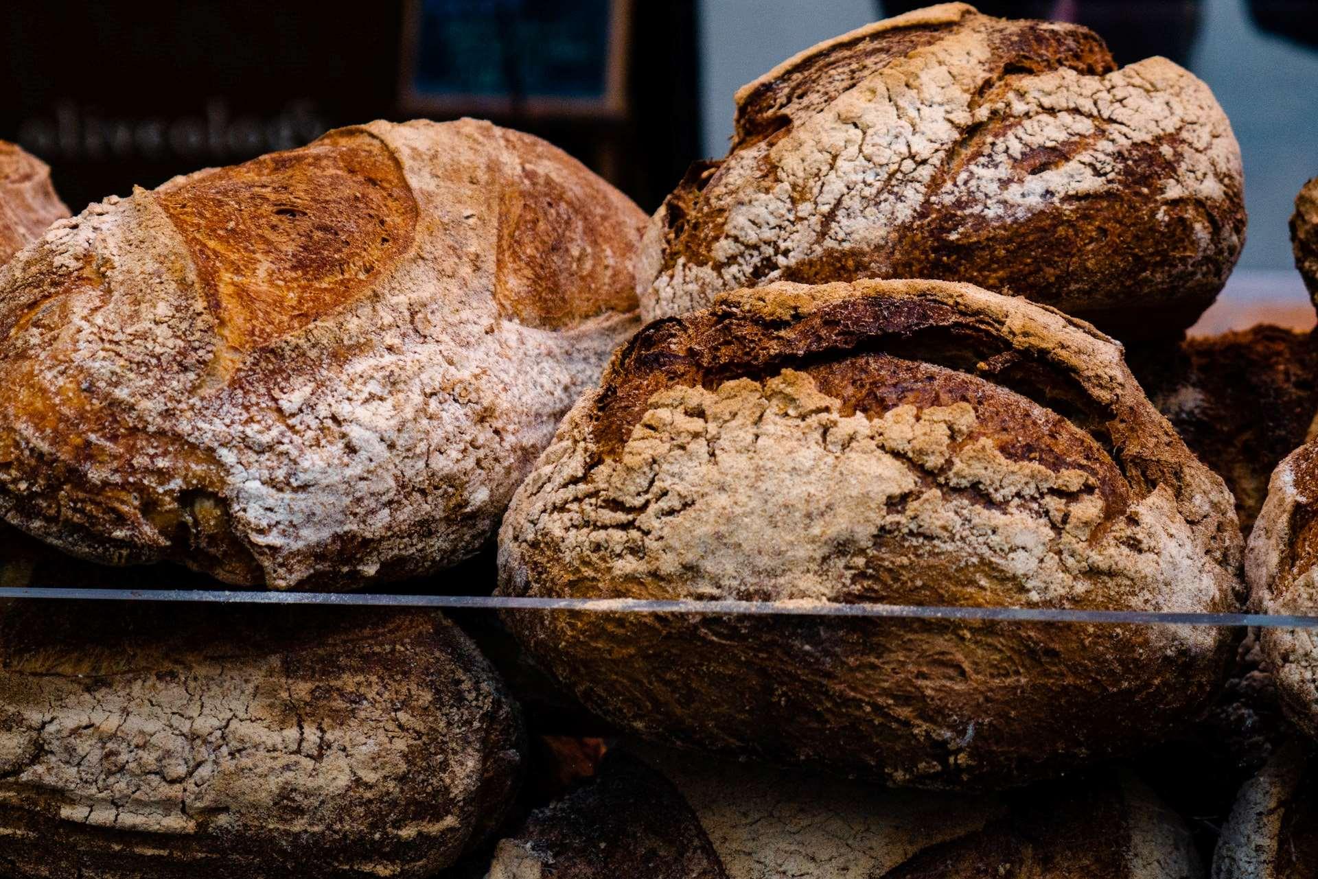 Flere brød oppå hverandre